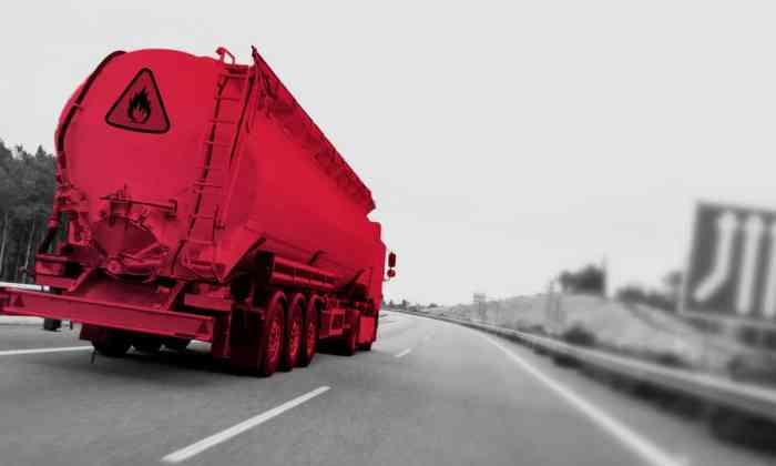 El gobierno necesita alrededor de 3,000 pipas para transportar las gasolinas.