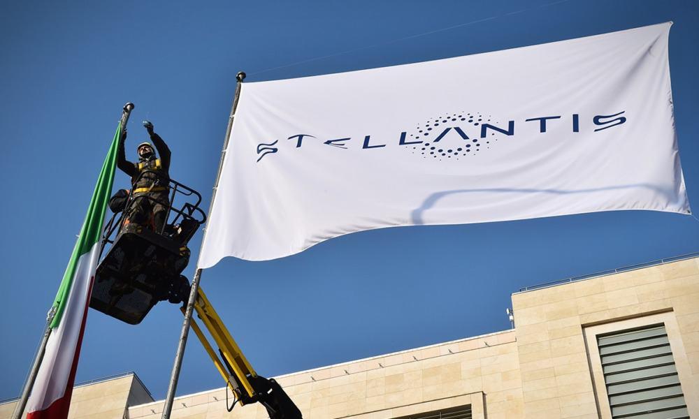 Stellantis debut en París y Milán