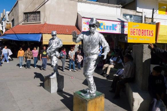 Juarez street performers