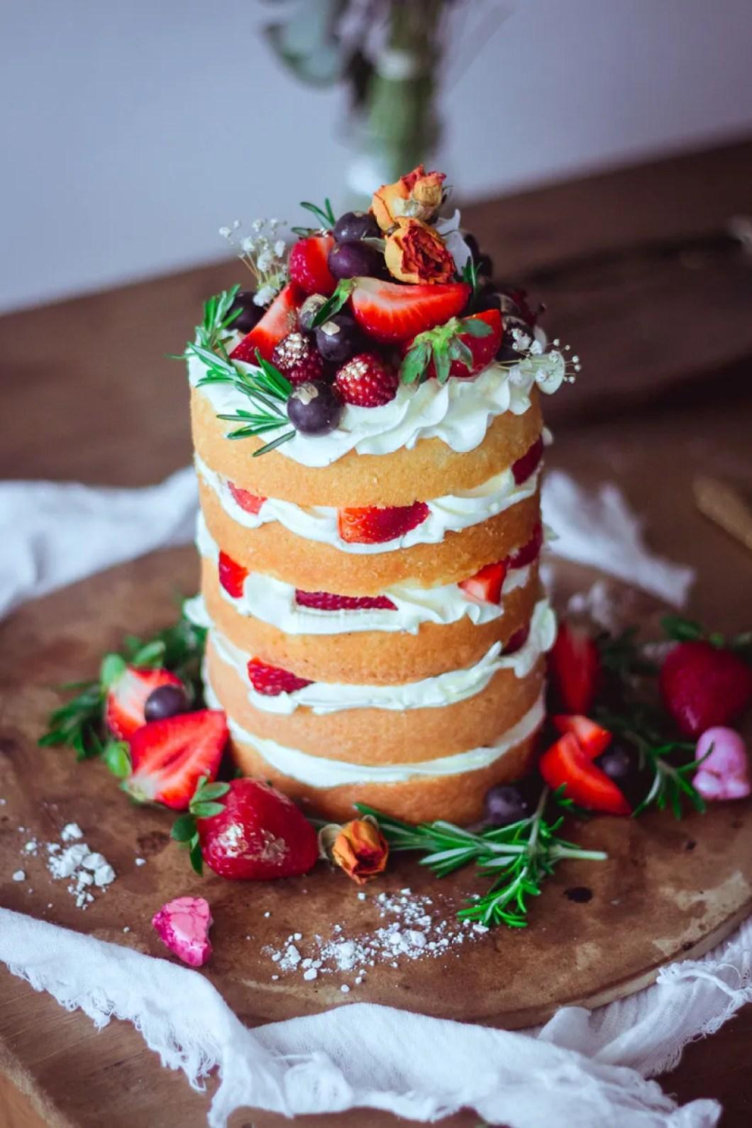 strawberry naked cake _02
