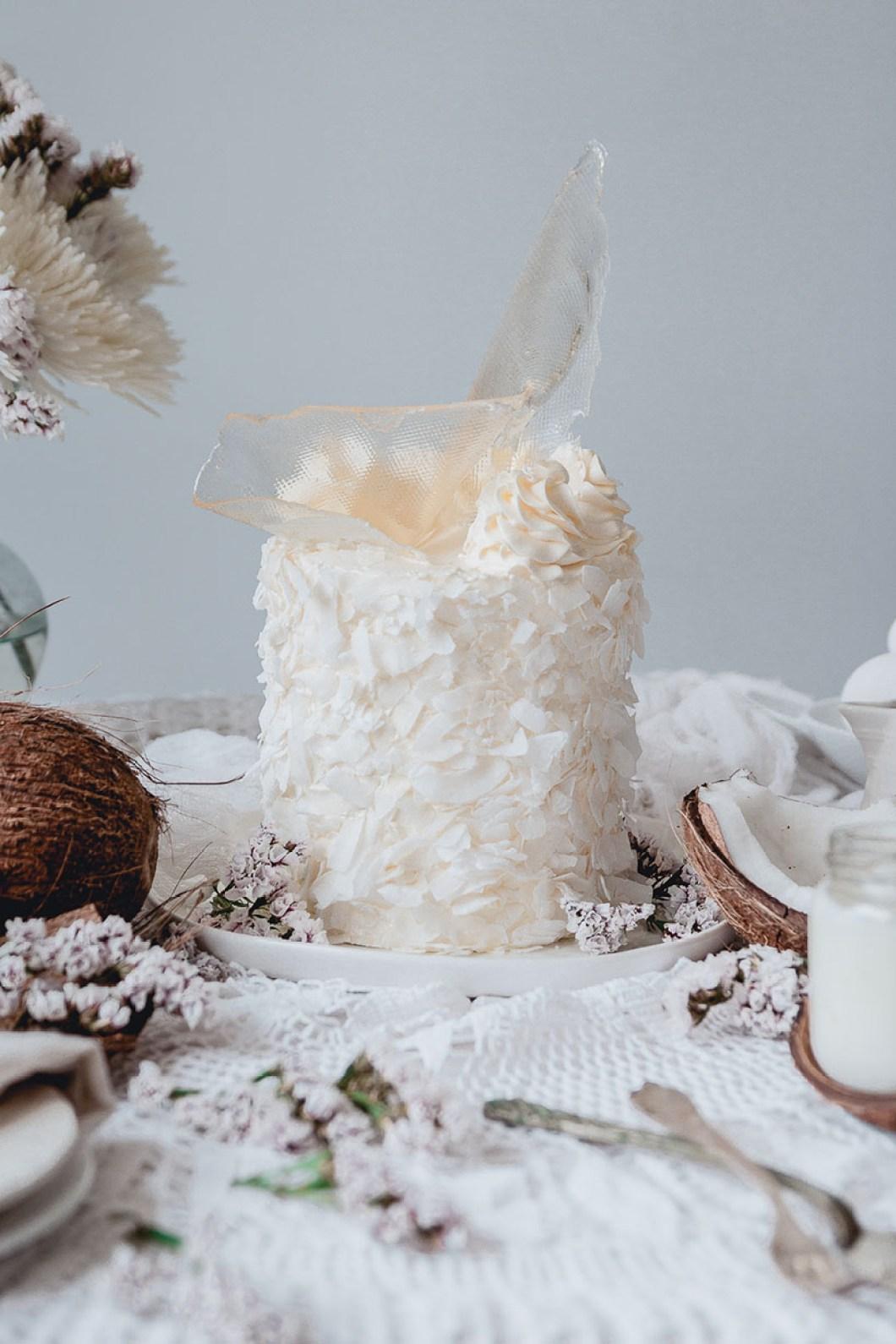 white_coconut_cake_-7460