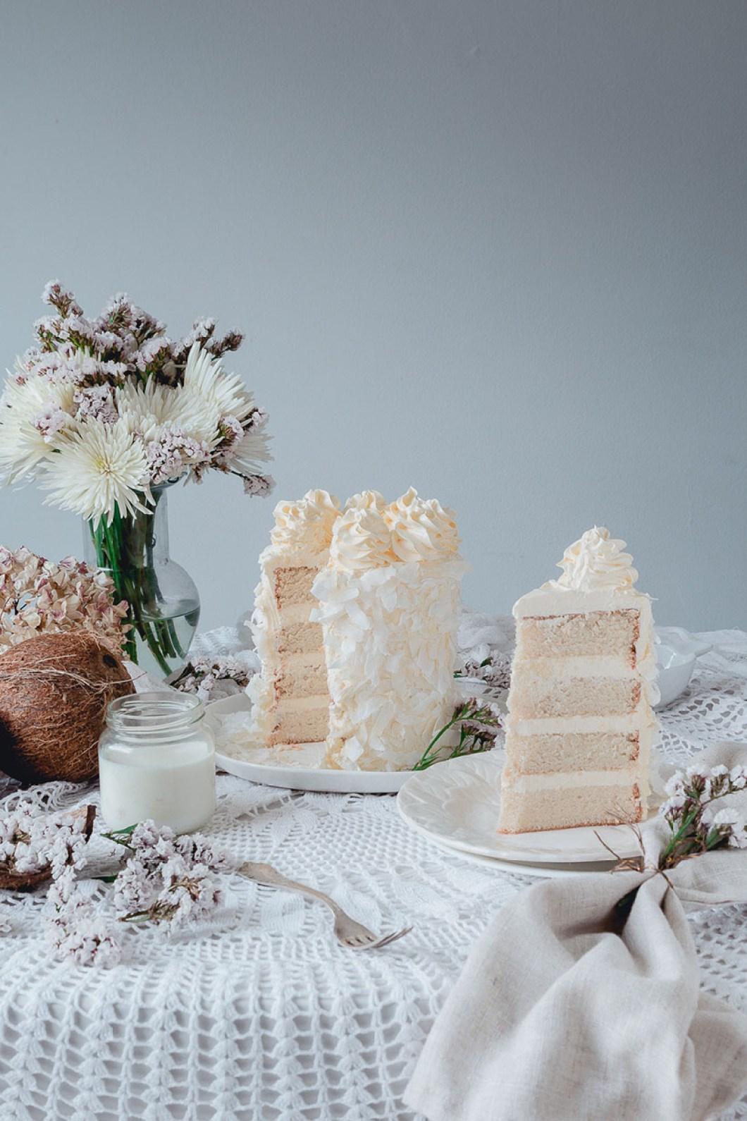 white_coconut_cake_-7514