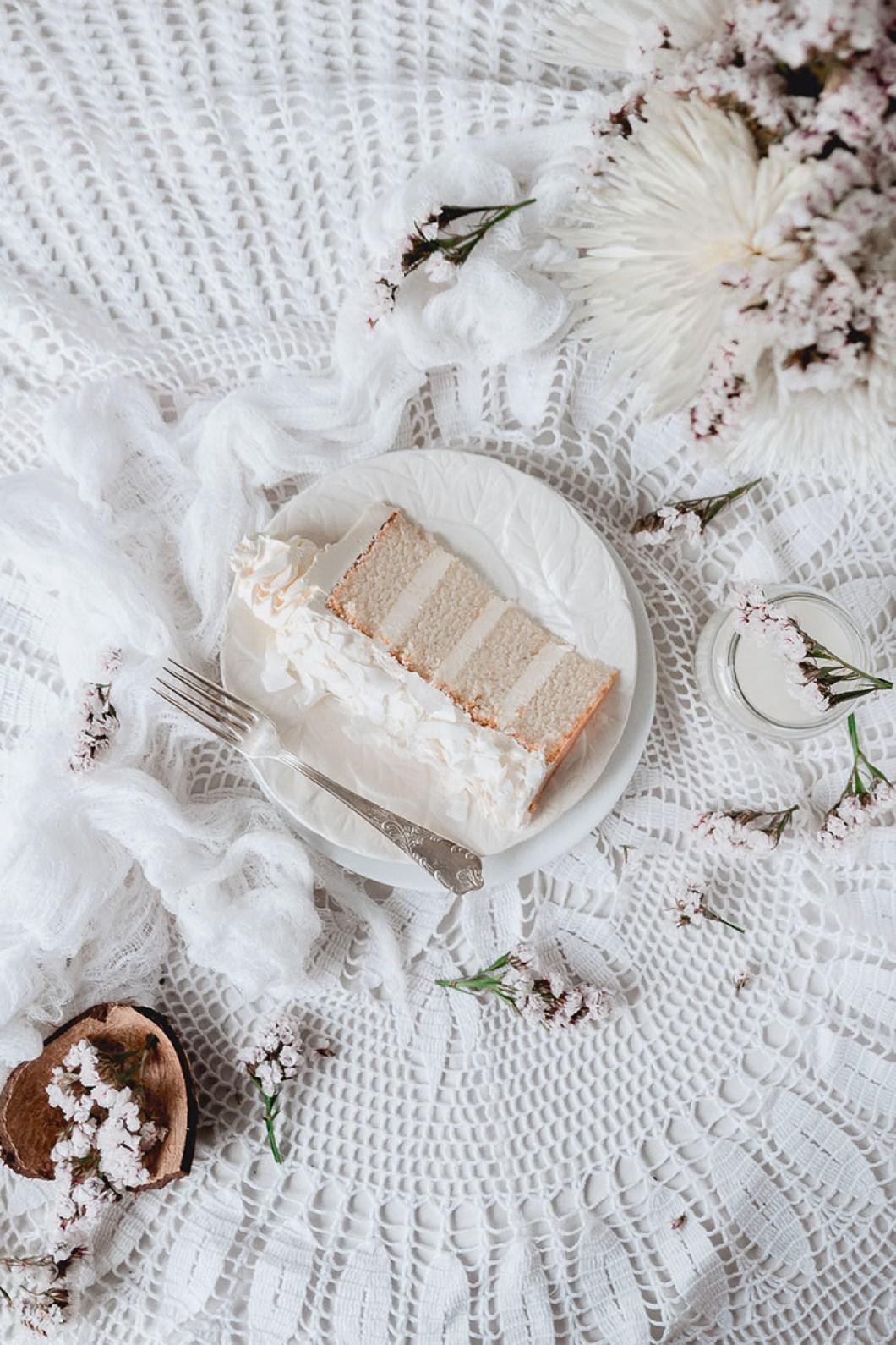white_coconut_cake_-7529