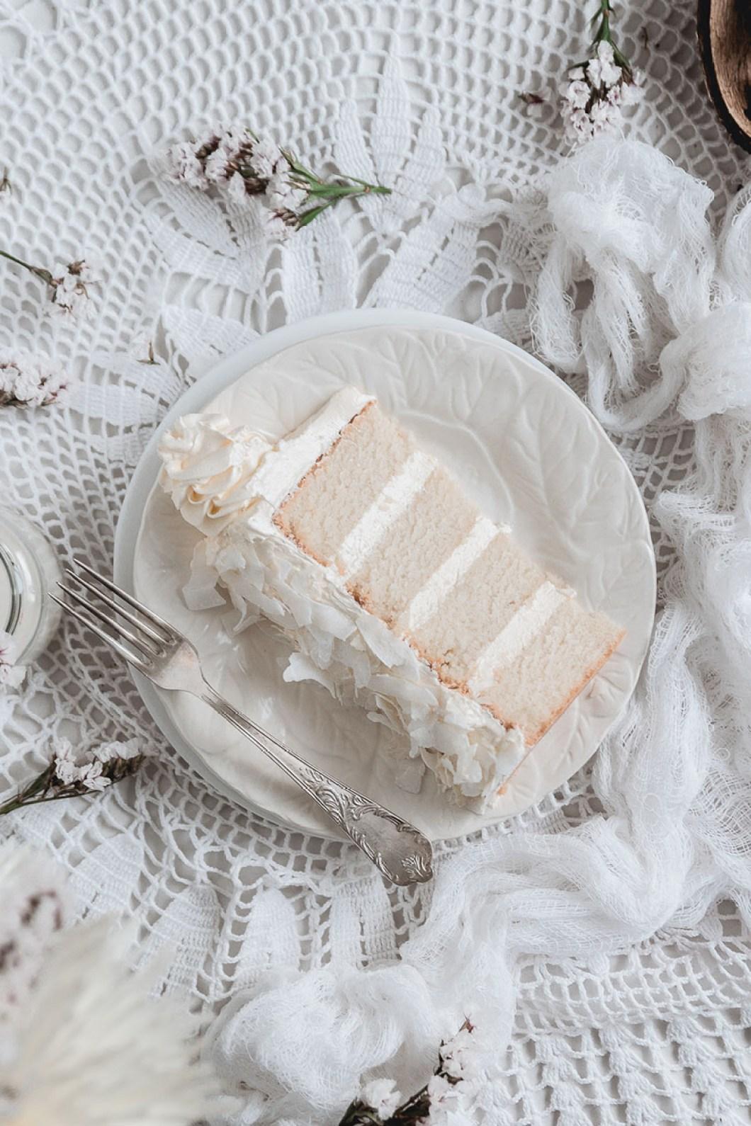 white_coconut_cake_-7532