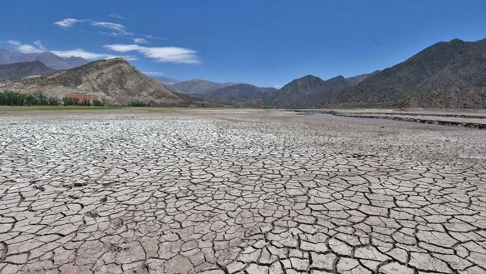 Dique Potrerillos, reflejo de la crisis hídrica en Mendoza. Fotografía: Pachy Reynoso.