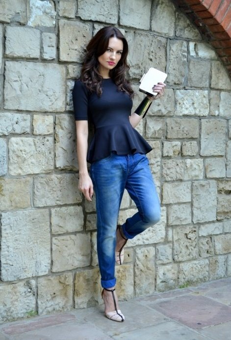 zara-blue-jeans~look-main