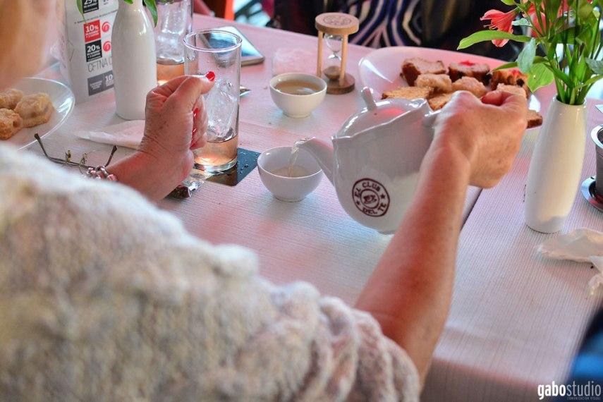 Eventos corporativos empresariales - Tetera y taza de té
