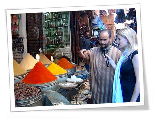 Recorriendo un mercado en la ruta del té: viaje a Marruecos