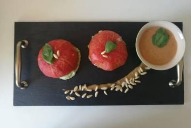 Receta de tomates rellenos fríos de ricotta y pesto