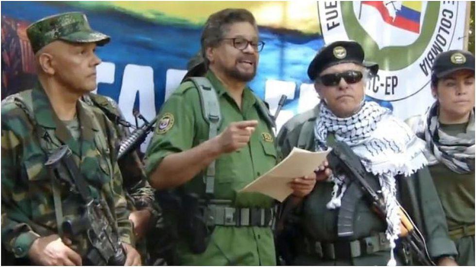 """El disidente de las FARC """"Iván Márquez"""" anuncia """"nueva etapa de lucha"""" armada (VIDEO)"""