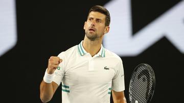 Abierto de Australia 2021: Novak Djokovic aguanta el dolor y avanza a cuartos de final