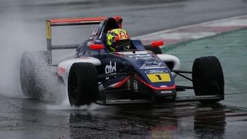 Matías Zagazeta: el joven piloto de dieciséis años dispuesto a conquistar los circuitos británicos en F4