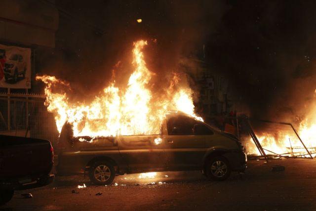 El gobierno extendió la noche de este domingo a ciudades del sur y norte del país el estado de emergencia para hacer frente al violento estallido social. (AP)