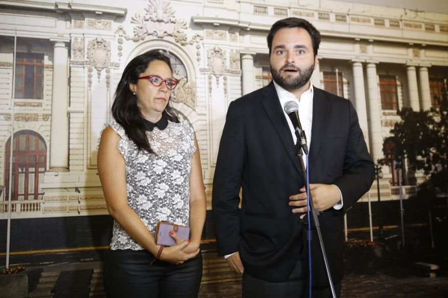 Alberto De Belaunde highlighted that the face-to-face sessions of the Congress allowed finding common ground with colleagues from other benches.  In the image, he appears together with former congresswoman Marisa Glave, with whom he agreed on various issues during the period of the dissolved Congress, despite her ideological discrepancies.  (Photo: El Comercio)