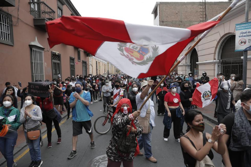 Personajes políticos participan en marcha contra la vacancia presidencial    Martín Vizcarra   Julio Guzmán   Ollanta Humala   FOTOS nndc   LIMA   EL  COMERCIO PERÚ