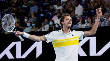Abierto de Australia 2021: Medvedev detuvo a Tsitsipas y se enfrentó a Djokovic en la final