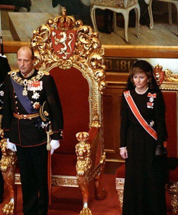 los-25-anos-de-reinado-del-rey-harald-de-noruega-en-sus-imagenes-mas-familiares