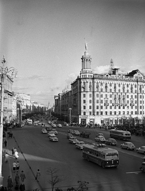 Улица Горького в Москве