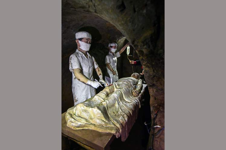 Representación de un hospital de campaña subterráneo
