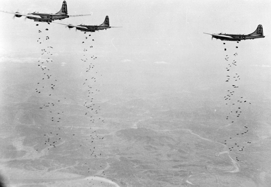 1280px-b-29s_98th_bgm_bombing_target_in_korea_1951