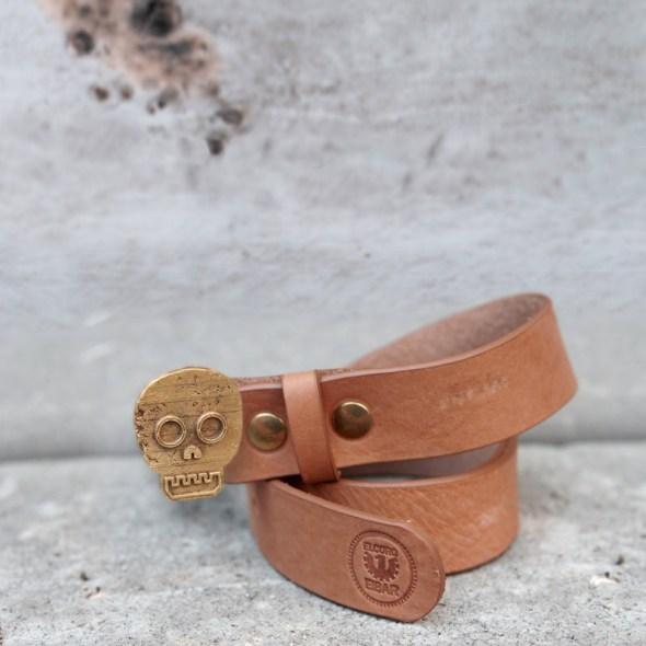 Broches para cinturones en forma de calavera