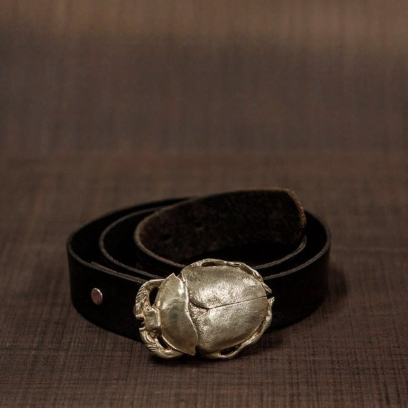 Cinturones personalizados en forma de escarabajo