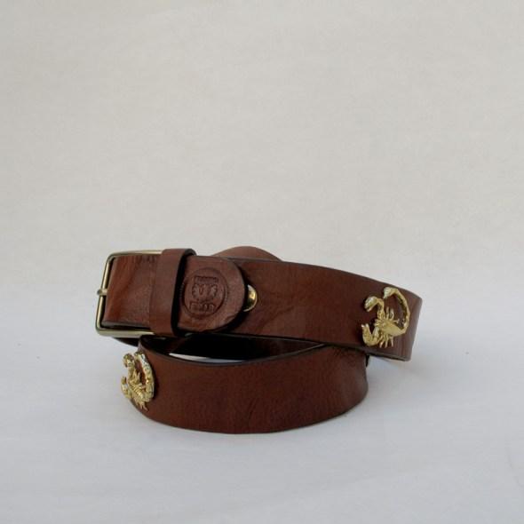 Cinturón marrón vintage escorpion
