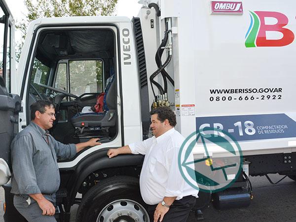 Tapado de basura: Se declaró la Emergencia Sanitaria en Berisso y en pleno temporal comenzó a normalizarlo