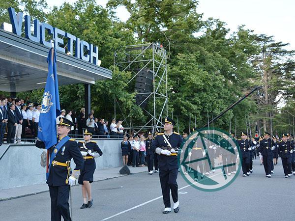 Convocatoria para las Escuelas de Formación Policial de la Provincia de Buenos Aires y de Cadetes de la Policía Federal