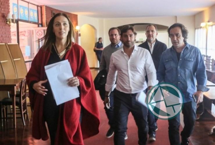 Vidal llama a los gremios docentes 1