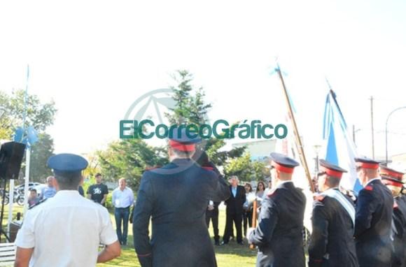 Homenaje del Rotary Club de Berisso a los Héroes de Malvinas 03