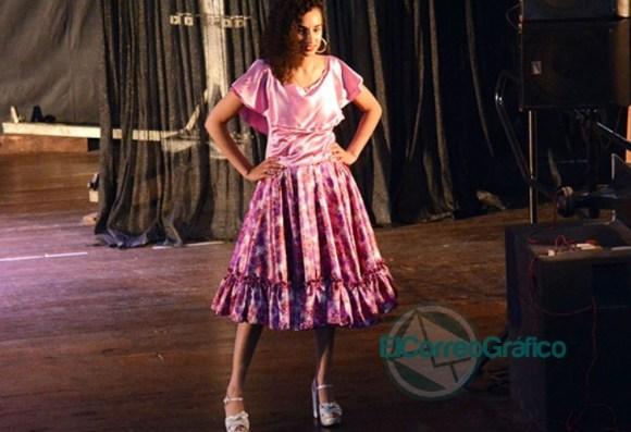 Se presentaron las 20 Representantes Culturales de la Colectividades 08