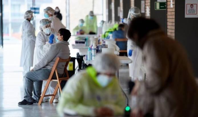 Andalucía triplica los casos de Covid en 24 horas