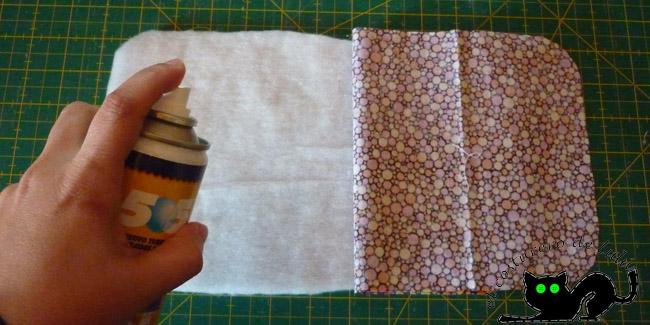 Pegamos las dos capas de tela a la guata
