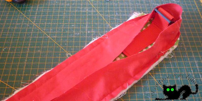 Cose con mucho cuidado la cinta al bies