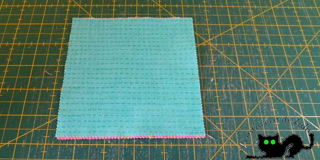 Preparamos las tres telas y las cuadramos bien