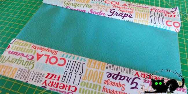 Uno los tres trozos de tela que forman el exterior del estuche