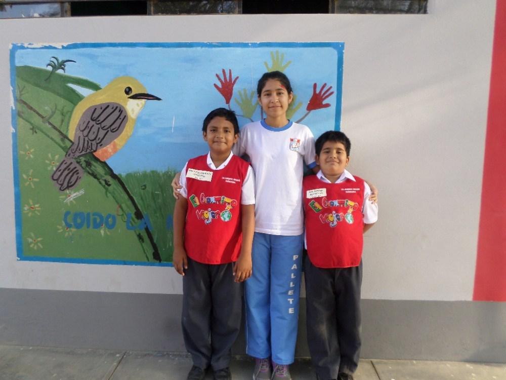 Niños intercambian y comparten sus cartas: Alumnos de primaria visitan a secundaria (4/6)