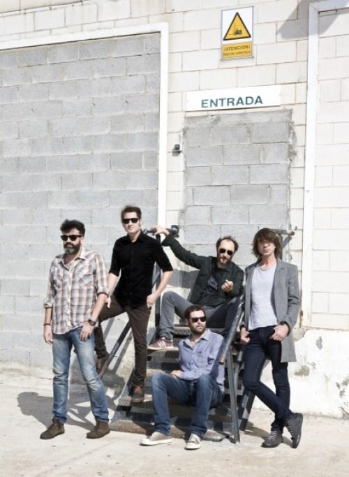Grupo de Expertos Solynieve es una banda de Granada, España, que se formó en 2006.