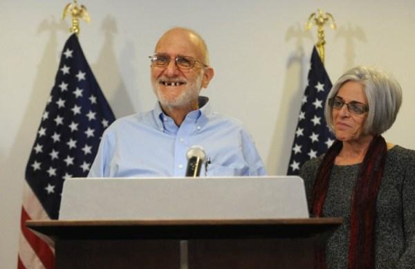 En 2011, Alan Gross fue condenado en Cuba de espiar para la inteligencia estadounidense. Fue liberado el 17 de diciembre de 2014