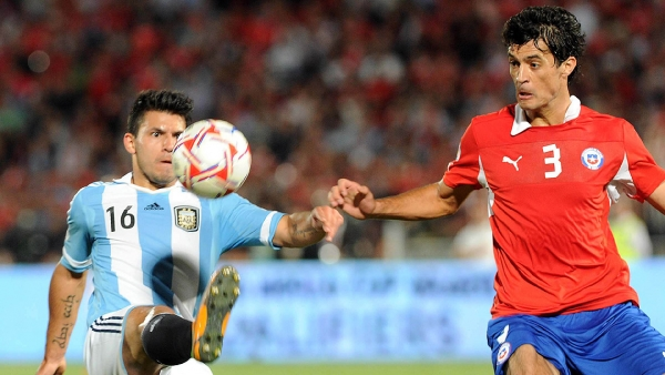 Argentina y Chile se midieron en las eliminatorias mundialistas de 2014. Foto: Télam / La Voz del Interior.