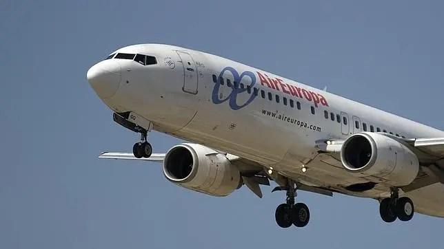 Resultado de imagen para Dominicana muere en pleno vuelo cuando regresaba desde Madrid