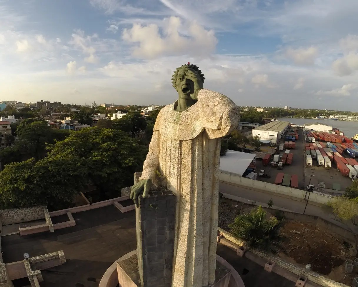Monumento Fray Anton de Montesinos recibe más de 6 mil personas