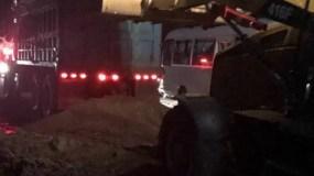 camioneros-de-puerto-plata-arreglan-tramo-de-carretera-ante-dejadez-de-autoridades-competentes-iii