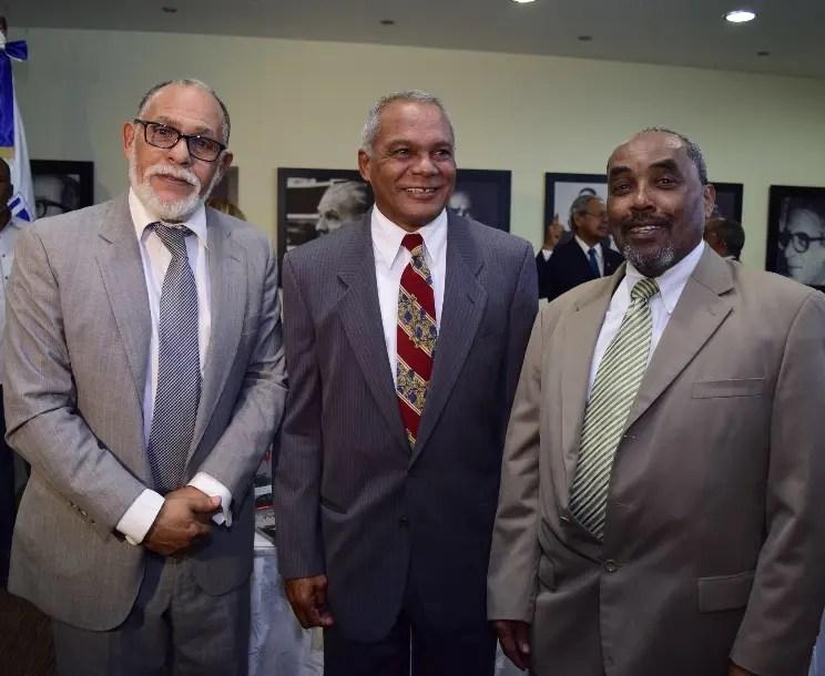 Tony Pina, Miguel Solano y Carlos Nina Gómez.