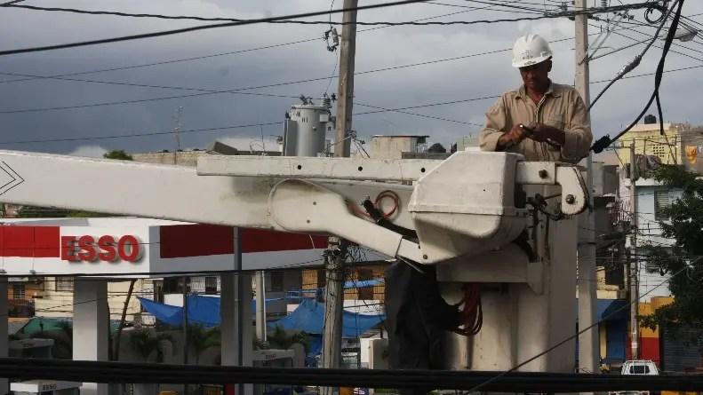 Los cabildos cobran el 3% de la energía cobrada en municipios.