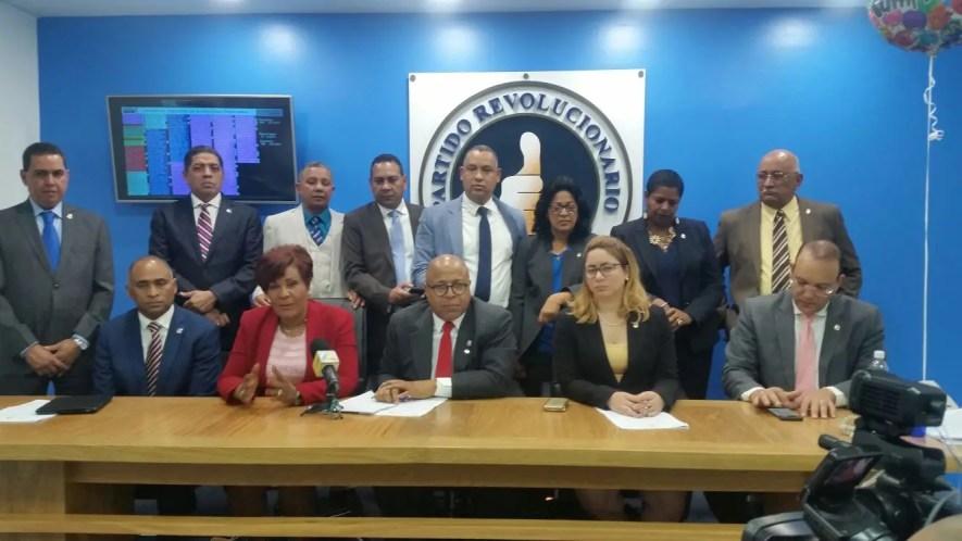 La diputada Josefa Castillo habló en rueda de prensa. Foto: Degnis De León.