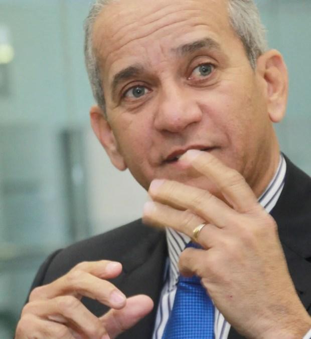Almirante Sigfrido Pared Pérez, director del Departamento Nacional de Investigaciones (DNI).