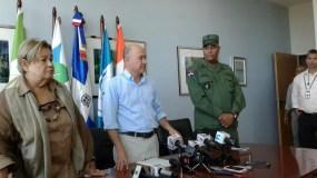 El ministro de Medio Ambiente, Francisco Dominguez Brito, garantizó que todos los cabildos podrán depositar sus desechos en Duquesa, independientemente de que tengan alguna deuda con esa empresa.