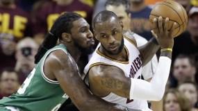 LeBron James tuvo una actuación por debajo el domingo en el juego 3 de la final Conferencia Este.